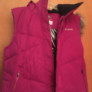 Columbia women's hooded vest. Xl